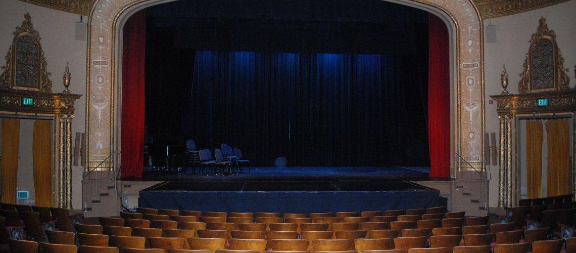 theatre-813305_1920